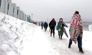 Gli studenti del Grandis in piazza per i profughi della rotta balcanica sulle note di Mannarino