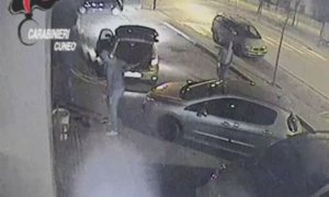 """Condannati tre complici della """"banda dei videopoker"""": un bottino da 200mila euro in bar e aziende"""