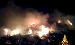 Sterpaglie in fiamme a Castelletto di Busca nella tarda serata
