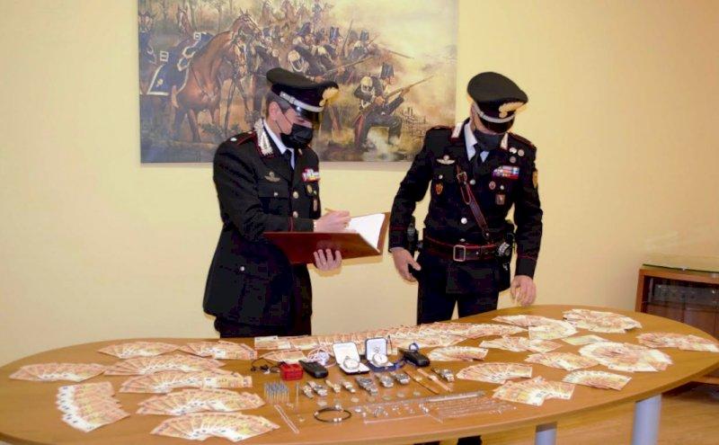 Arrestati i responsabili di una rapina a Dronero, avevano preso a pugni e bastonate i padroni di casa