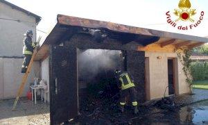 Saluzzo, a fuoco un garage in via Antica Torino