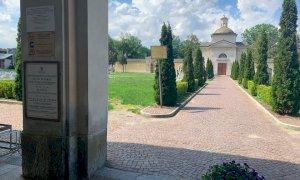 Cuneo, lo stato di abbandono e degrado di alcune tombe storiche fa discutere il Consiglio comunale