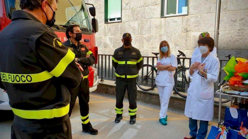 All'ospedale di Cuneo uova di Pasqua e doni per i bambini ricoverati in Pediatria