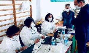 """Cirio al centro vaccinale di Bene Vagienna: """"Pronti a correre ancora più veloci, servono consegne regolari"""""""