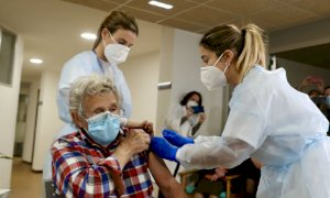 Vaccino, falsa partenza per le prenotazioni degli over 60 piemontesi: in tilt il sito della Regione