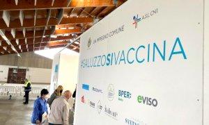 Saluzzo, all'hub aperto al Pala CRS sei linee vaccinali (ma in futuro potrebbero essere di più)