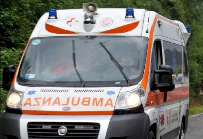Incidente tra due auto sul ponte di Busca, una ragazza è ferita