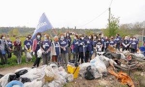 Cuneo, raccolte due tonnellate di rifiuti al Parco Fluviale: rinvenuti anche boiler, estintori e pneumatici