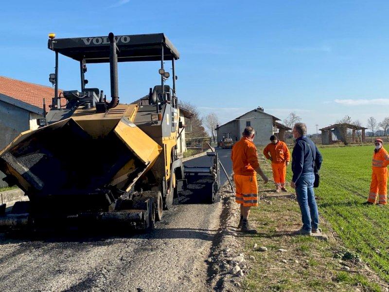 Asfaltatura strade, a Busca si completa il piano 2020 sospeso per l'inverno