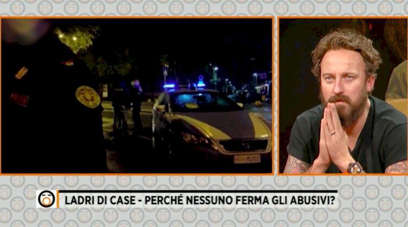 """Le telecamere di """"Fuori dal coro"""" tornano a Cuneo dopo l'aggressione: """"Perché nessuno ferma gli abusivi?"""""""