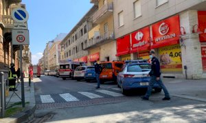Cuneo, fuga di gas dal palazzo sopra il Carrefour si rivela un falso allarme