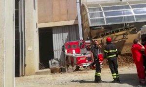 Mondovì, operaio ha un malore sul tetto di un capannone (VIDEO)