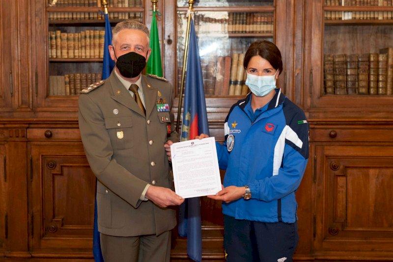 Marta Bassino premiata a Roma dal Capo di Stato Maggiore dell'Esercito