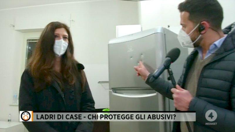 """Cuneo, la casa di via Felice Cavallotti torna ai proprietari. Mario Giordano: """"Dovevano arrivare le telecamere?"""""""
