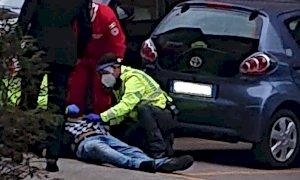 Gioielliere spara dopo la rapina nell'Albese: due morti