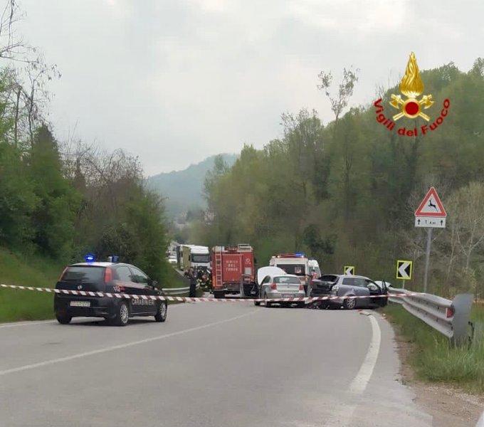 Traffico nuovamente regolare dopo lo scontro tra quattro auto a San Michele Mondovì