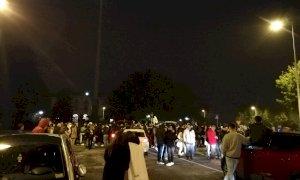 A Cuneo la protesta contro il coprifuoco: diverse centinaia di persone in strada dopo le 22 (FOTO)