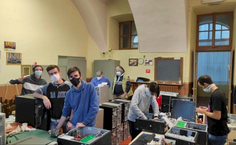 Coldiretti Cuneo, donati 200 computer a chi è in difficoltà