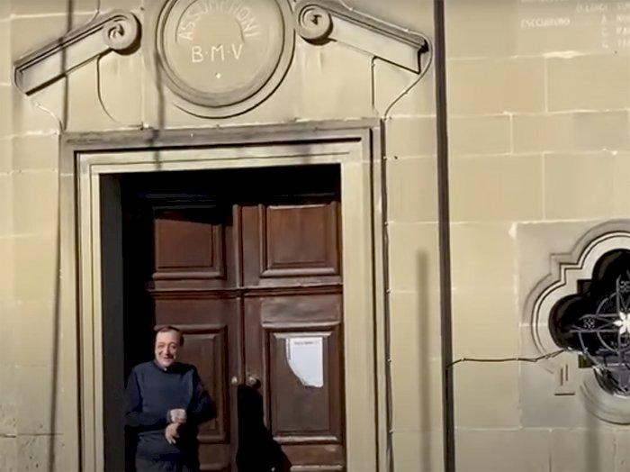 L'Inter vince lo scudetto, a Sale Langhe il parroco tifoso nerazzurro suona le campane a festa