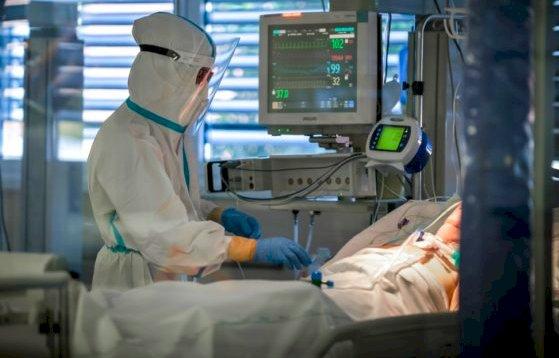 A livello regionale continuano a scendere i ricoveri in terapia intensiva