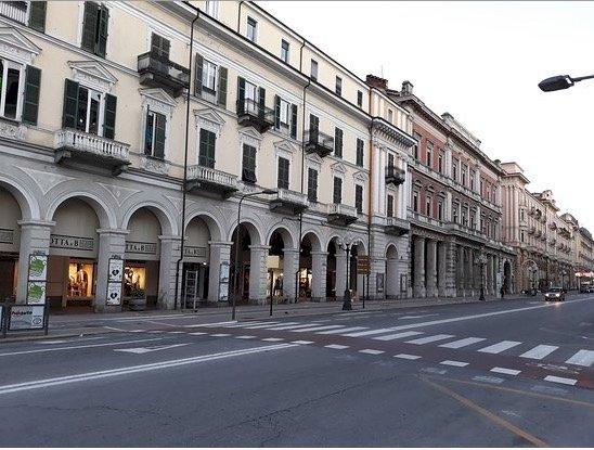 Cantiere nella zona dell'ex Banca d'Italia, chiude un tratto di corso Nizza