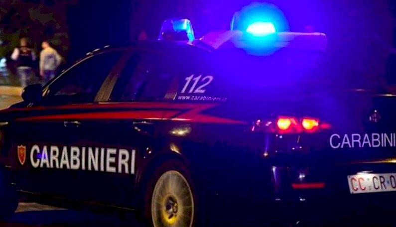 Cuneo, cerca di rioccupare l'appartamento da cui era stato sfrattato sfondando la porta a calci: arrestato