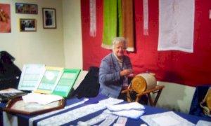 Addio a Maria Rosa Genovese, merlettaia prodiga di aneddoti sulla vita cuneese del novecento