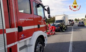 Frontale tra auto e furgone a Guarene, sul posto l'elisoccorso