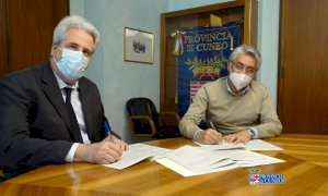 Firmata a Cuneo la convenzione per il terzo ponte di Alba: