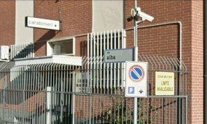 Un vetro sfondato per vendicarsi del carabiniere che l'aveva multato: a giudizio un 52enne
