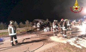 Frontale con auto in fiamme a Cavallermaggiore, c'è un deceduto