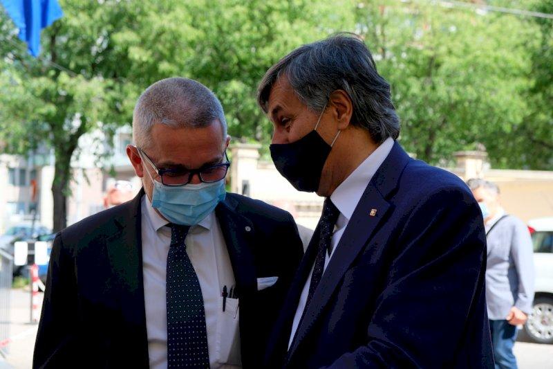 L'assessore regionale alla Sanità Luigi Icardi con il presidente di Confartigianato Cuneo Luca Crosetto