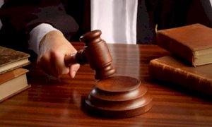 La prescrizione salva l'uomo accusato di aver truffato 80mila euro a due anziani di Lisio