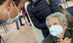 """Vaccini, via all'""""operazione recupero"""" per gli over 60 che non hanno ancora aderito"""