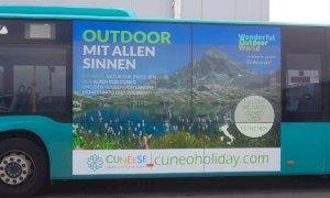 Affissioni sugli autobus e video negli aeroporti tedeschi per promuovere le montagne cuneesi