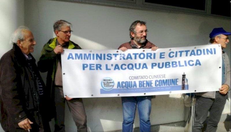 """Da Cuneo a Roma a dieci anni dal referendum sull'acqua pubblica: """"Oggi come ieri no alla privatizzazione"""""""