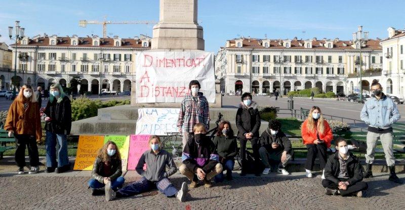 """Il Comitato Scuole Aperte Cuneo torna in piazza: """"Da settembre a scuola ci dobbiamo essere tutti"""""""