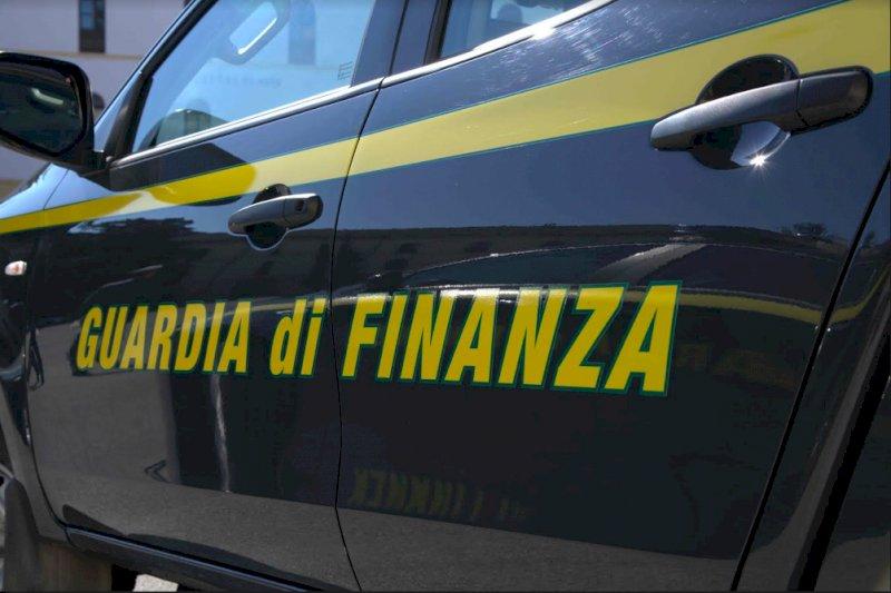 Si fingevano poveri per ottenere i buoni spesa Covid: dalla Guardia di Finanza sanzioni per 600 mila euro