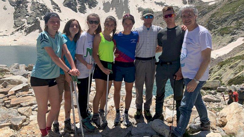 Il gruppo di Interact Cuneo Alpi del Mare con Marta Bassino nell'alto Vallone di Valasco
