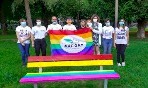 Cuneo, domani s'inaugura la panchina arcobaleno per la Giornata Mondiale contro l'omofobia