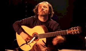 La chitarra di Peo Alfonsi apre l'edizione 2021 del Roero Music Fest