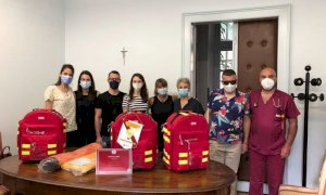 I Leo Club donano zaini per le emergenze ai pronto soccorso di Savigliano e Mondovì