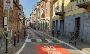 """Nel centro di Bra """"si viaggia slow"""": al via il posizionamento dei cartelli per la nuova"""