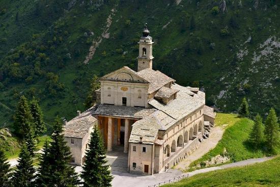 Il Santuario di Castelmagno