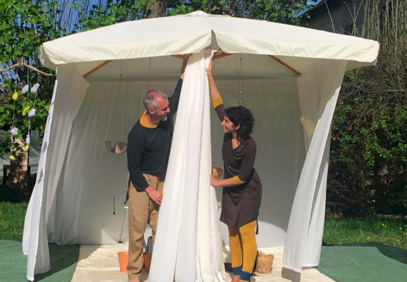 Lo spettacolo per i bambini del 'Melarancio' ospite degli asili nido di Cuneo