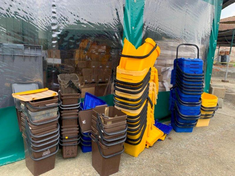 Alta adesione allo sciopero da parte del reparto raccolta rifiuti, sacchetti e bidoncini restano in strada