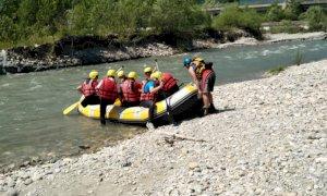 Rafting lungo il fiume Stura nell'ambito del progetto di Montagnaterapia dell'Asl CN1