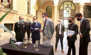 Restituiti i cristalli rubati a Dusseldorf nel 2000: erano stati recuperati ad Alba in un finto scambio