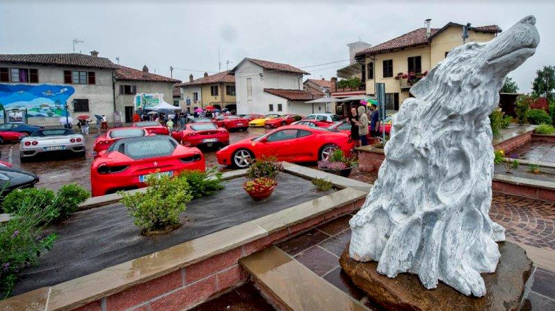 Lo Sport Rally Team porta 52 auto di lusso tra i castelli e le vigne di Langhe e Roero