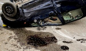Cadde da una scarpata in auto per un'avaria ai freni, assolto dall'accusa di lesioni colpose